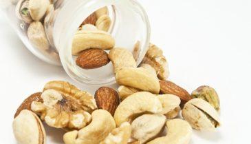 ダイエットにおすすめの無塩ミックスナッツ!栄養価やカロリーも考慮